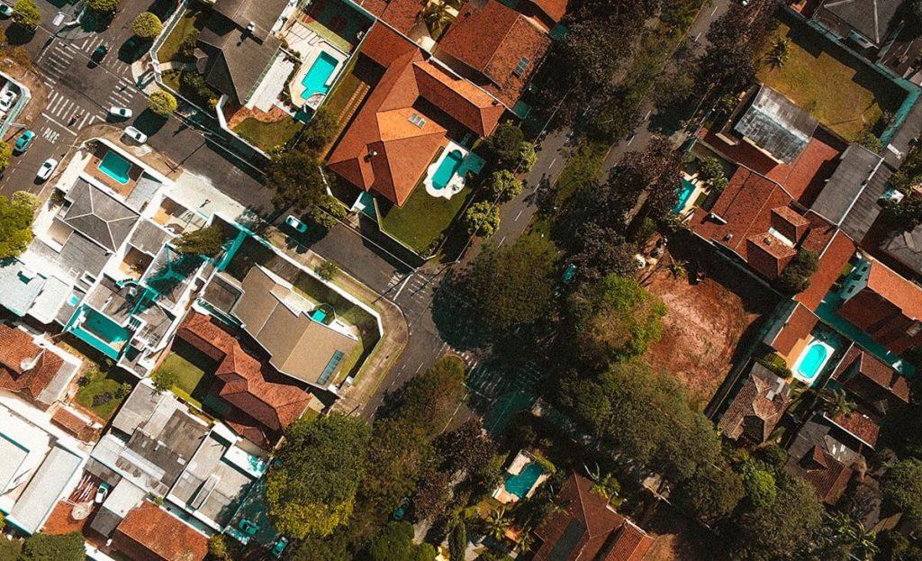 veja-como-um-sistema-fotovoltaico-grid-tie-smart-grid-gera-creditos-para-o-seu-condominio_1