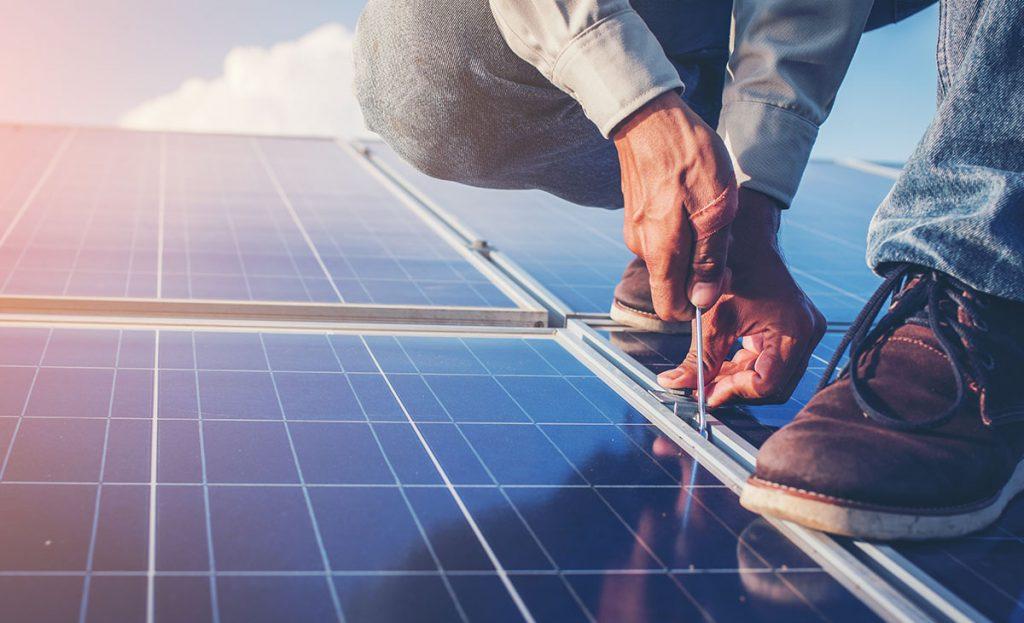 como-funciona-o-sistema-fotovoltaico-com-back-up-de-baterias3